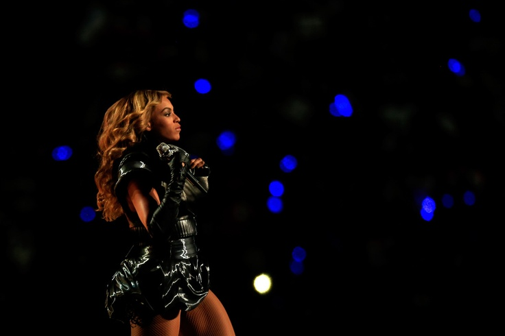 Beyonce Super Bowl Halftime Show: Singer Stuns With All-Out Display