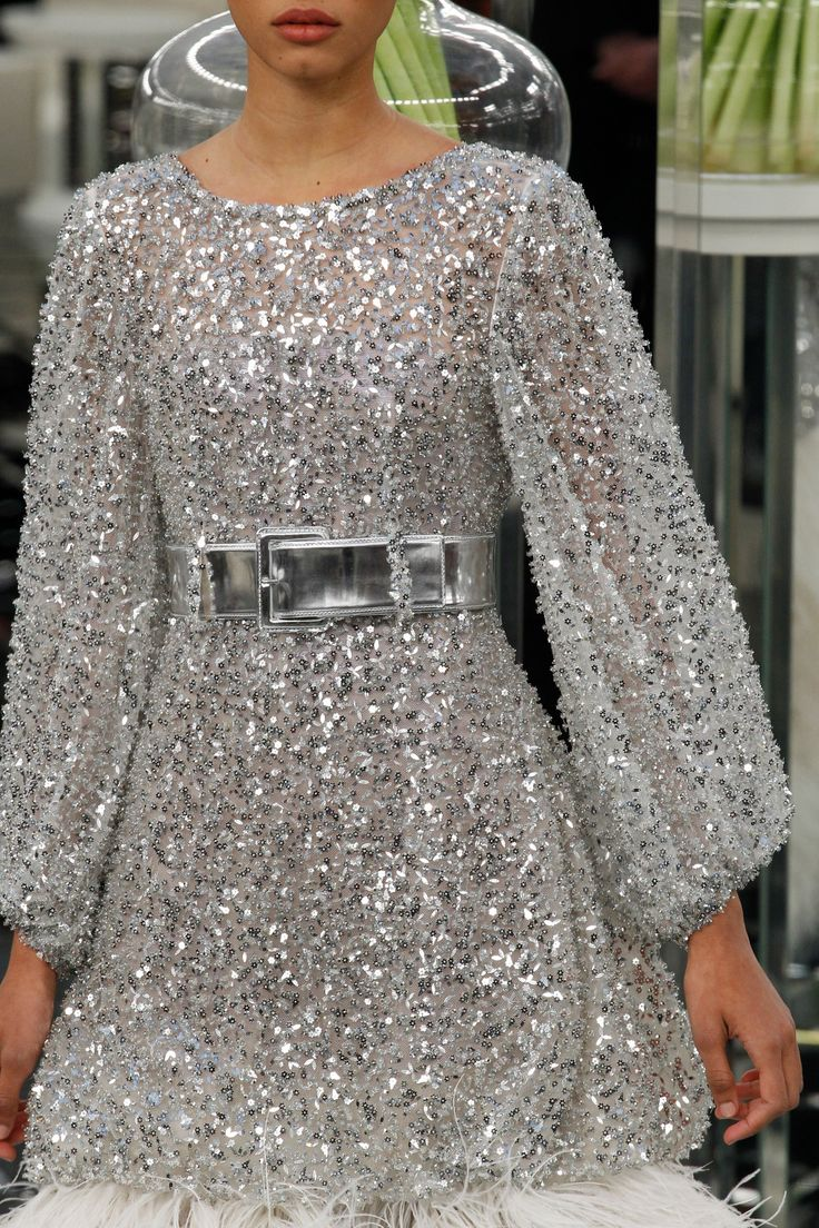 See detail photos for Chanel Spring 2017 Couture collection.