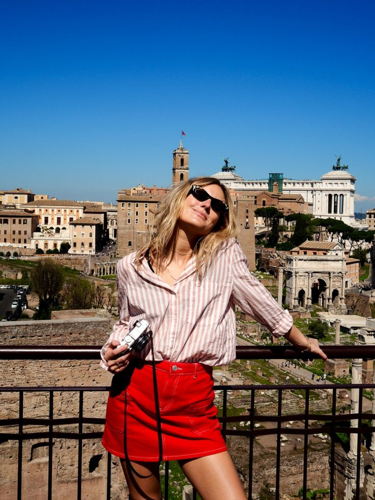How To Look Effortlessly Chic On Holiday
