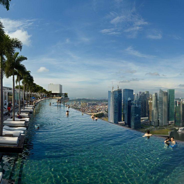 Best 25 hotel pool ideas on pinterest infinity pools the infinity and amazing swimming pools - Singapur skyline pool ...