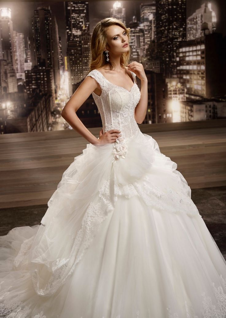 #wedding #weddingdress #2016 #collection #bride #bridal #brides #fashion #love #white #sposa #abitodasposa #bianco #marriage