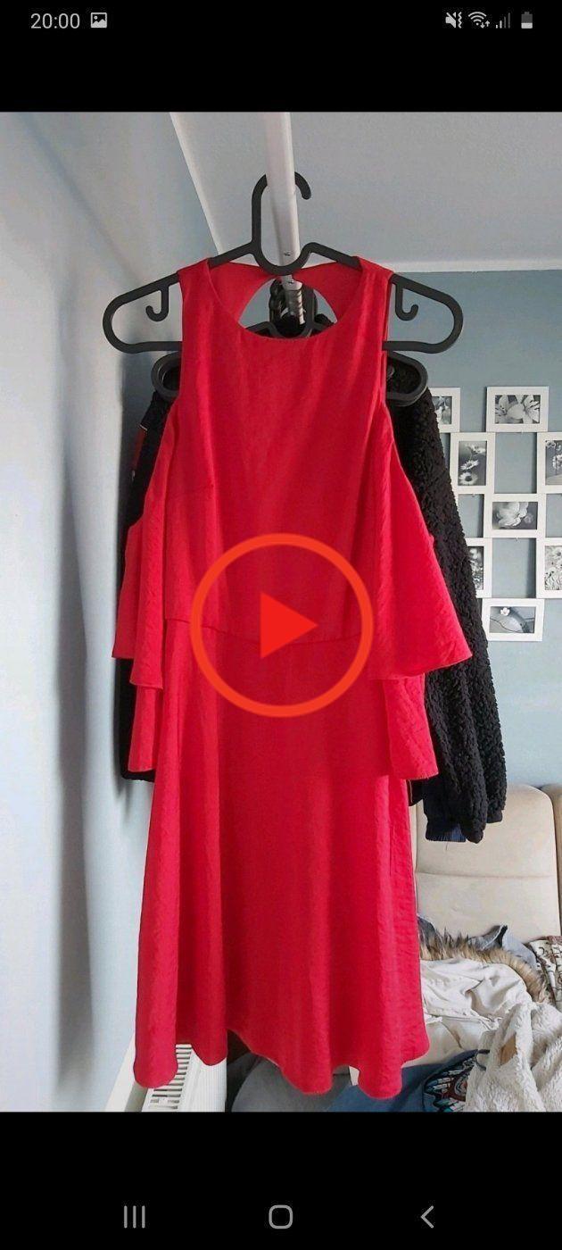 rückenfreies kleid mit carmisolärmeln | backless dress