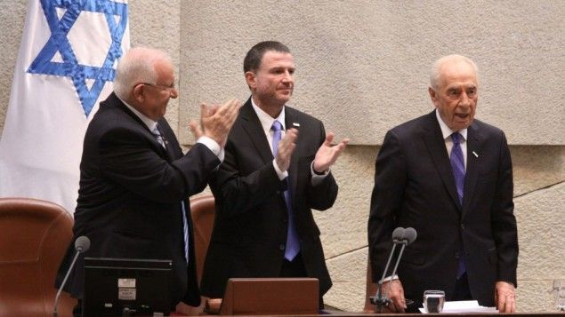 Reuven Rivlin sworn in as Israel's tenth presidentAt toned-down ceremony, incoming president expresses hope for future peace, praises predec...