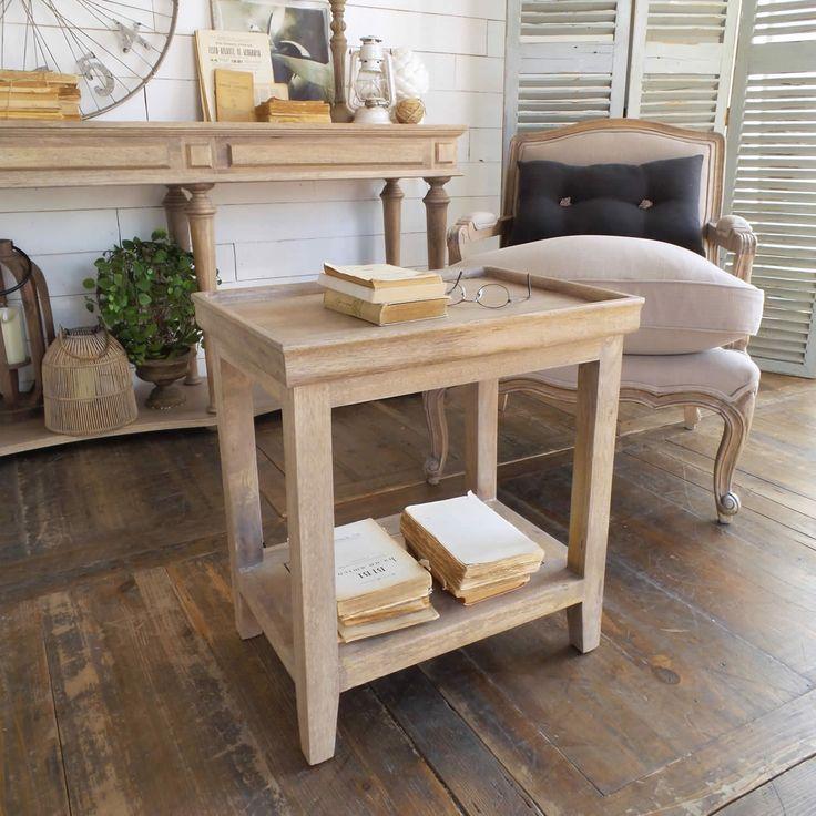 Acquista online il tavolino quadrato a due ripiani NATURAL