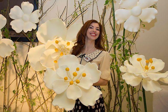 Купить большие цветы. Цветы из изолона, огромные цветы. Свадебный декор. Фотозона