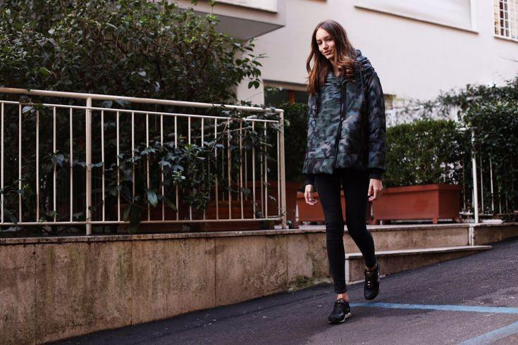 Sportive e piene di impegni? Ecco il Look che fa per voi #piumino #sneakers e #jeans #LaPinella #Look #Casual #Sport #Musthave #day #outfit http://www.lapinella.com/2016/02/10/piumino-un-must-have/