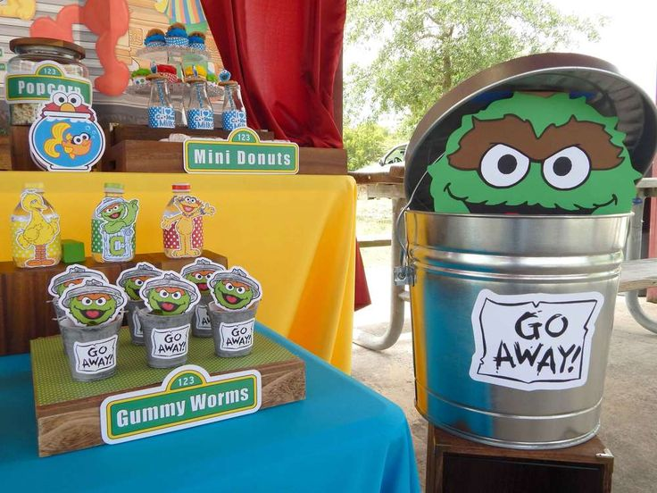 RUSTIC WHIMSICAL SESAME STREET BIRTHDAY PARTY | CatchMyParty.com