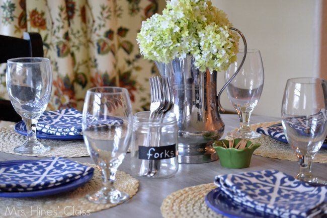 creating an everyday table setting / www.mrshinesclass.com