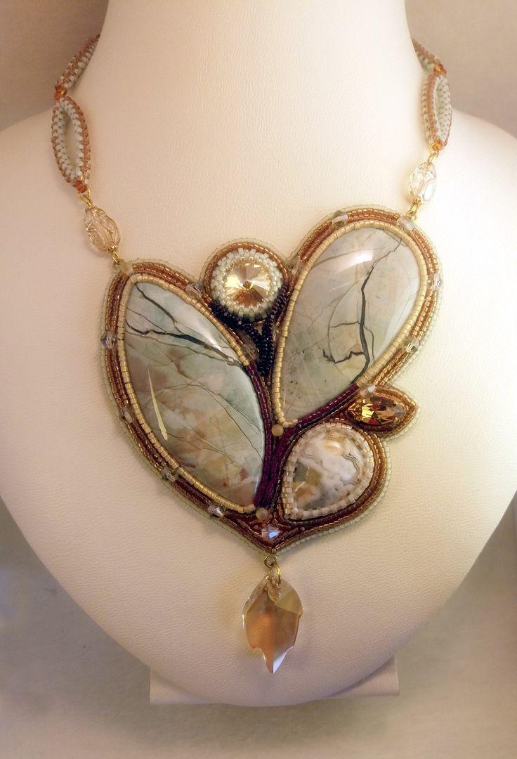 beaded jewelry - украшения из бисера - кулон с яшмой и агатом
