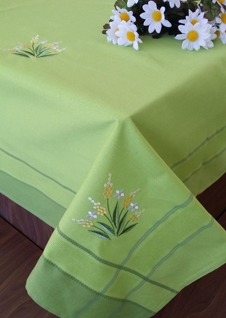 REDUCERE -50% pentru Față de masă Valentini Bianco WKY4, 85×85 cm. Preț promoțional: 15,50 lei.