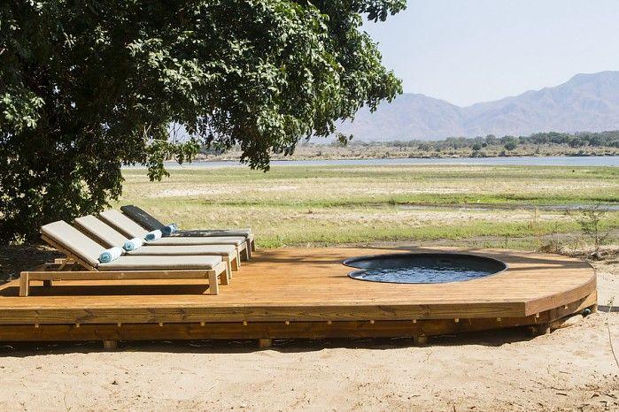 Plunge pool overlooking the floodplain - Little Ruckomechi