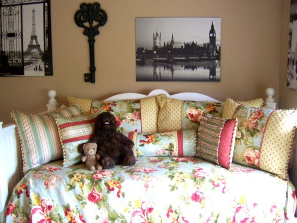 Vintage Teen Girl Bedroom   Teenage Girl's Vintage Bedroom, Vintage teen girl's bedroom with her ...