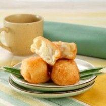 ROTI TAWAR GORENG ISI VLA KELAPA MUDA http://www.sajiansedap.com/recipe/detail/5719/roti-tawar-goreng-isi-vla-kelapa-muda