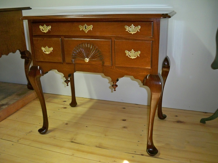 Best Queen Anne Lowboy Dressing Table Lowboy Furniture 400 x 300