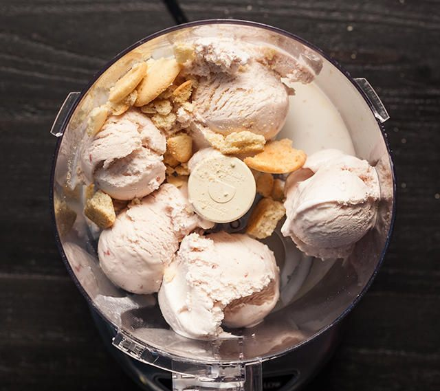 Strawberry Shortcake Milkshake Recipe - Chowhound