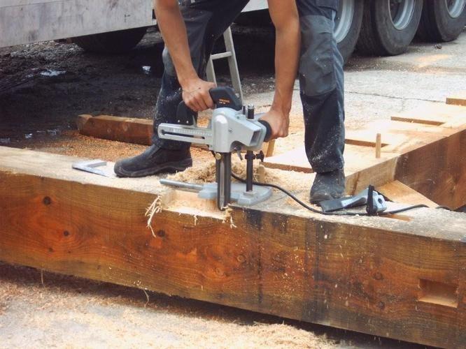 Het realiseren van houten gebinten is een secuur werk