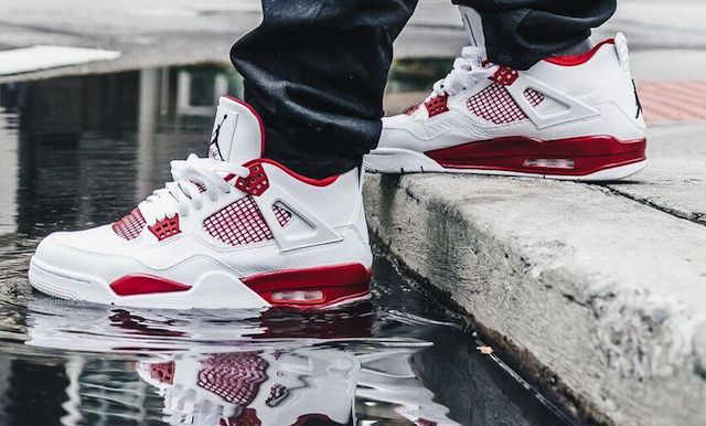 Jordan 4 fire red retro