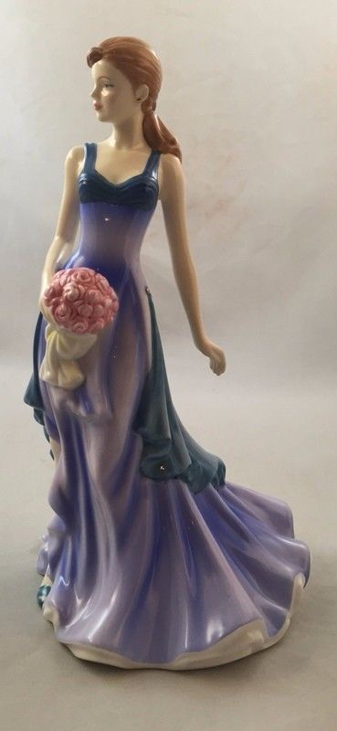 Royal Doulton Fine Porcelain Lady Figurine To Someone Special HN5141