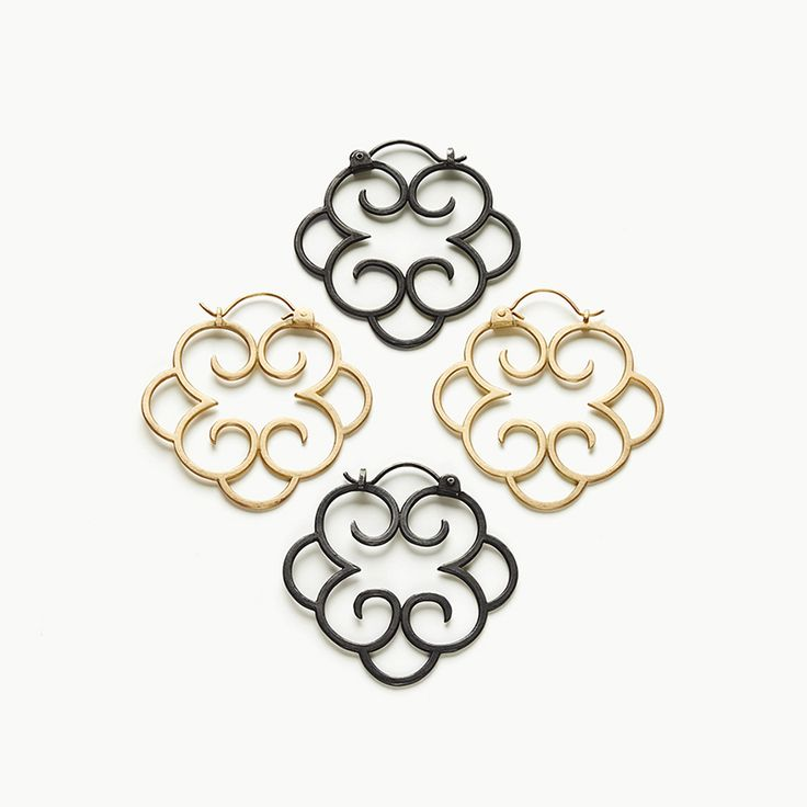 Earrings 18 k gold 6.200 dkk- Earrings oxydized silver 1.150 dkk