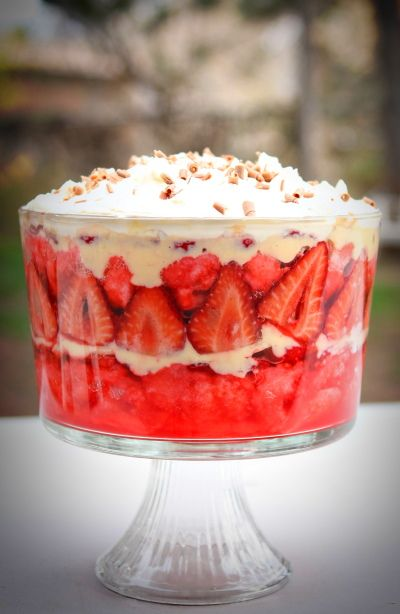 English Trifle- A Beautiful Mothers Day Dessert @ Make It Do