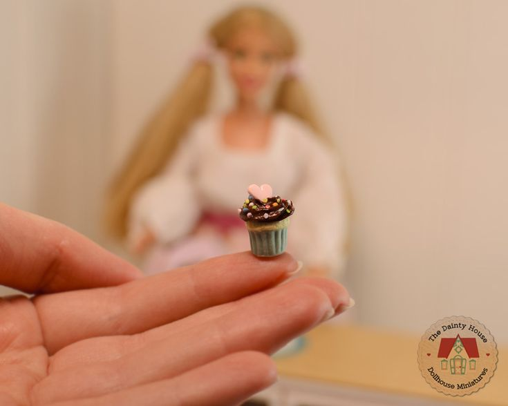 Miniature Chocolate Cupcakes for Barbie or Blythe, 1:6th scale dollhouse desserts