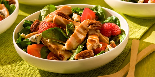 chicken-and-strawberryfinal: Dinner, Chicken Recipes, Strawberry Chicken Salads, Strawberry Spinach Salads, Strawberries, Healthy Eating, Healthy Foods, Chicken Salad Recipes