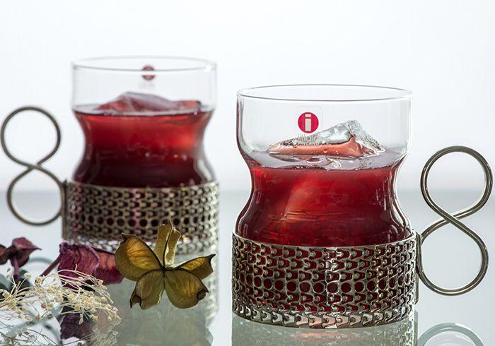 【楽天市場】【希少】イッタラ/iittala 1974-1991年 ツァイッカ/Tsaikka ホルダー付グラス 210ml      8の字型のハンドルはとっても持ちやすく、フィットします。  機能性と芸術性を兼ね備えた作品に仕上がっているかと思います。