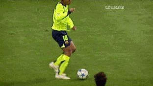 21 Of The Most Mesmerising Football Gifs Of All Time  - Esquire.co.uk