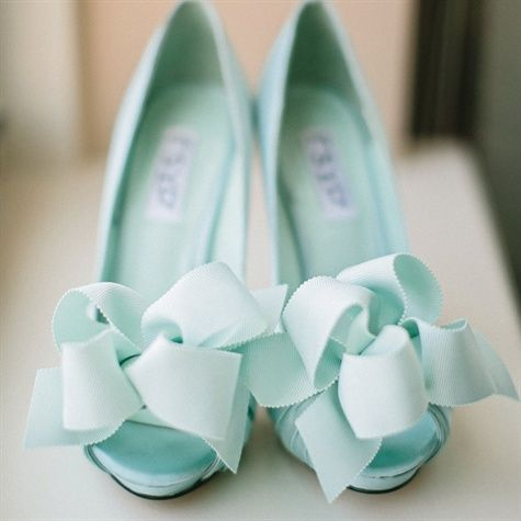 Mint peep toe heels with gorgeous bows - so fancy #mint