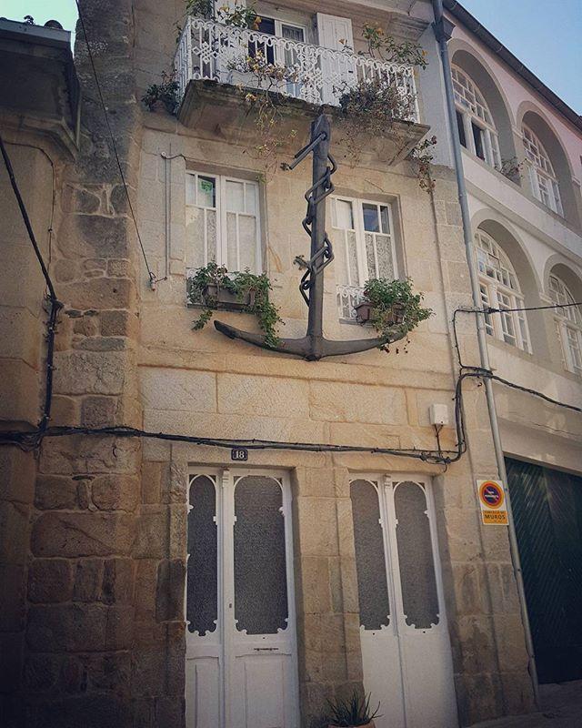 Peculiar #anchor #facade in coastal #galician #village #Muros #Spain during our #Finisterre #Tour #italopendola #italo #pendola #galicia #elbuencamino