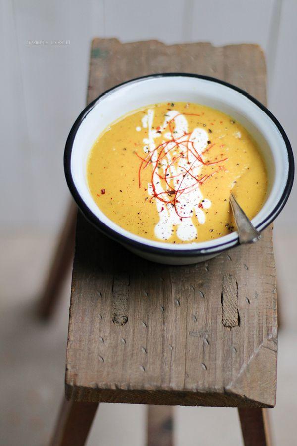 Rote Linsen-Kokos-Suppe