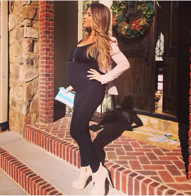 Jessie James Decker pregnancy style