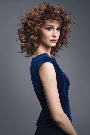 Taglio capelli mossi © Camille Albane