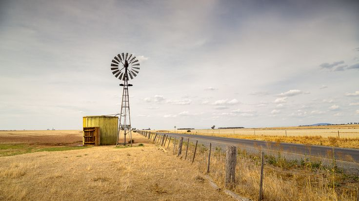 https://flic.kr/p/CBAmkN | Windmilll and water tank | Moolort, Victoria, Australia