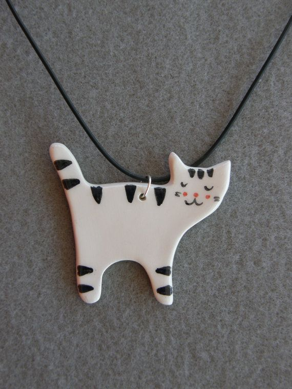 Keramische kat ketting wit zwart gestreepte kat met zwarte