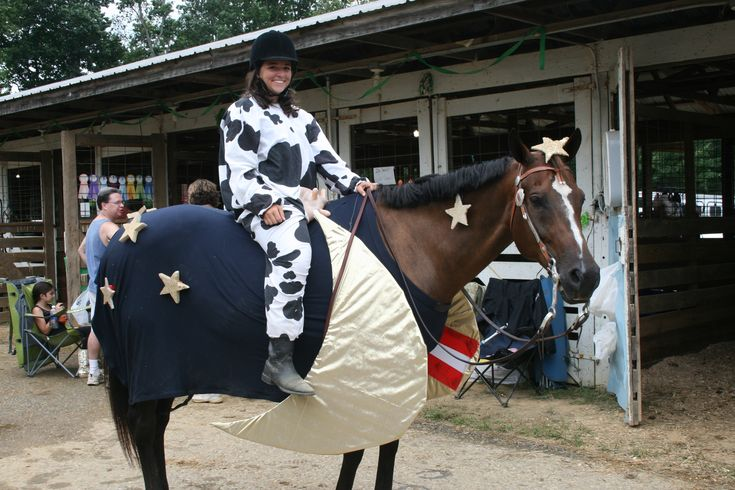 Awesome Horse Costume!  Cow jumped over the moon! www.okokonia.com