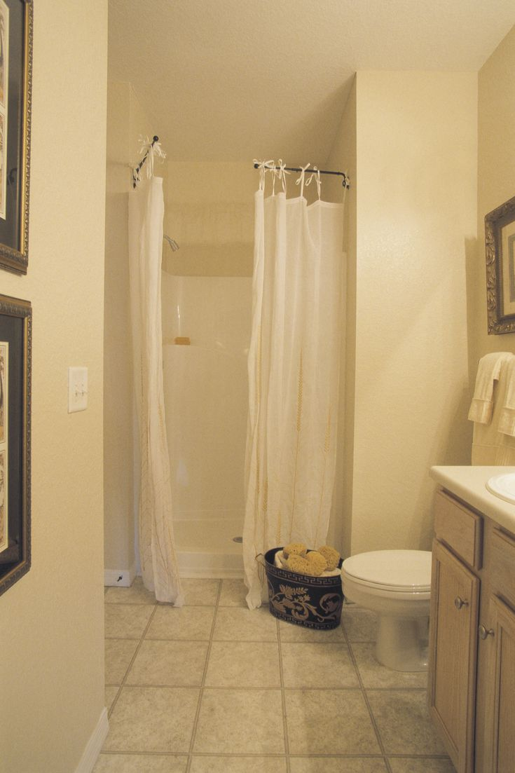 cmo lavar una cortina de ducha mohosa