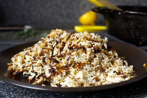 stuck-pot rice with lentils and yogurt