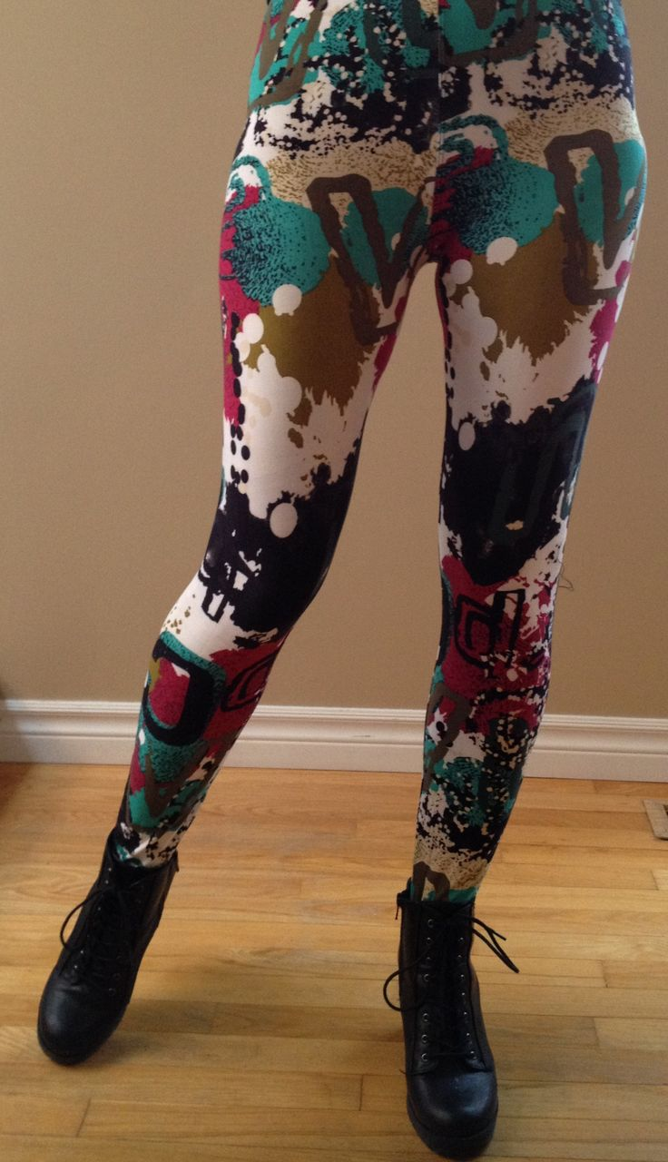 """Make a splash in our colourful """"Splatter"""" leggings which are absolutely stunning. Pair with a solid top for a great look.  """"One size"""" fits most sizes 2-12, 5ft 1 – 6ft tall."""