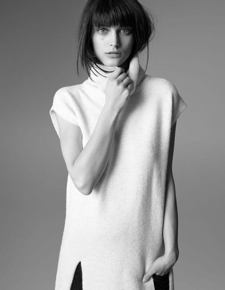 Chic Minimalist Style - white tunic top, modern minimal fashion // Whistles