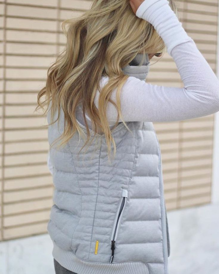 Stay warm while looking ravishing in the Brooklyn Vest! #lolewomen #borninMtl #winterwear