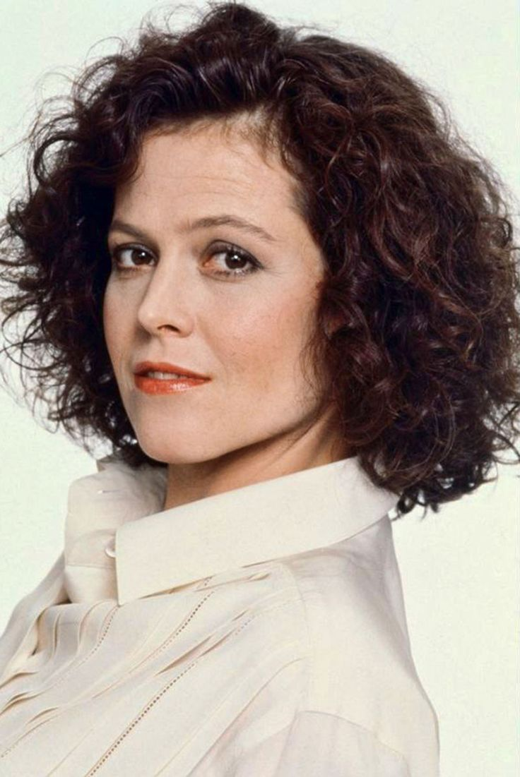 Sigourney Weaver Filmography And Biography On Movies Film: Sigourney Weaver Is An American Actress. She Is Known