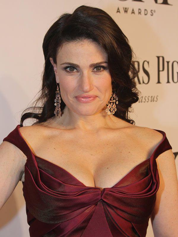 Idina Menzel Channels Italian Movie Star At Tonys -- Get Her Exact Hair Look