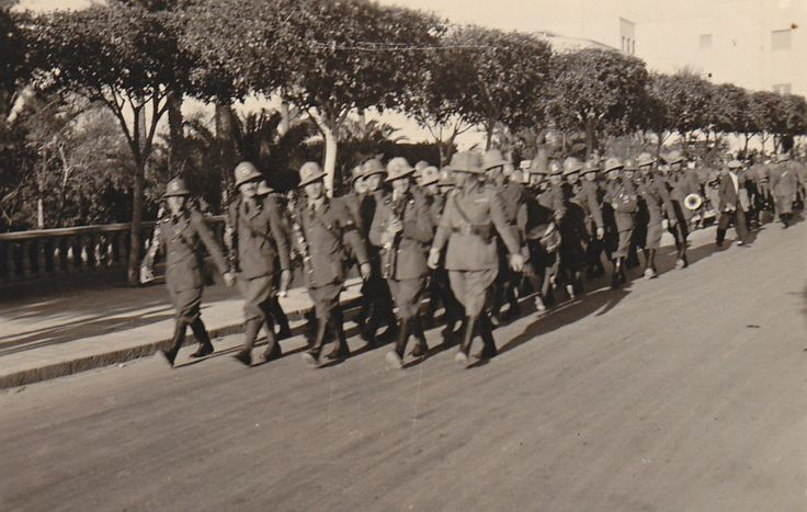 Italian soldiers marching and singing, Tripolis 1941