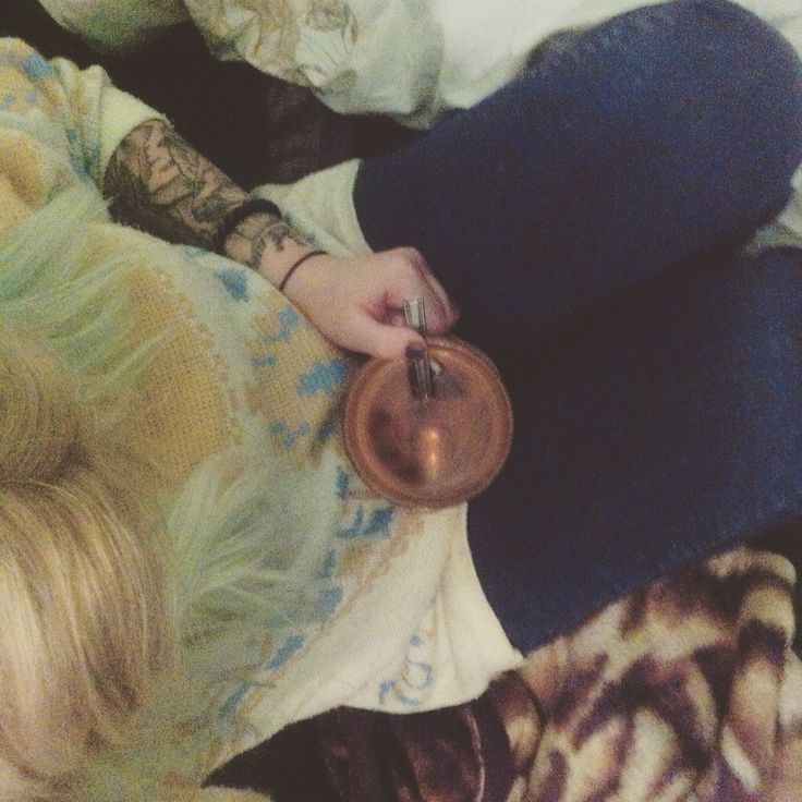 Tattoo tee monday blonde