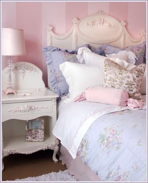 Shabby chic bedroom, purples and pinks and whites, I want it!!!
