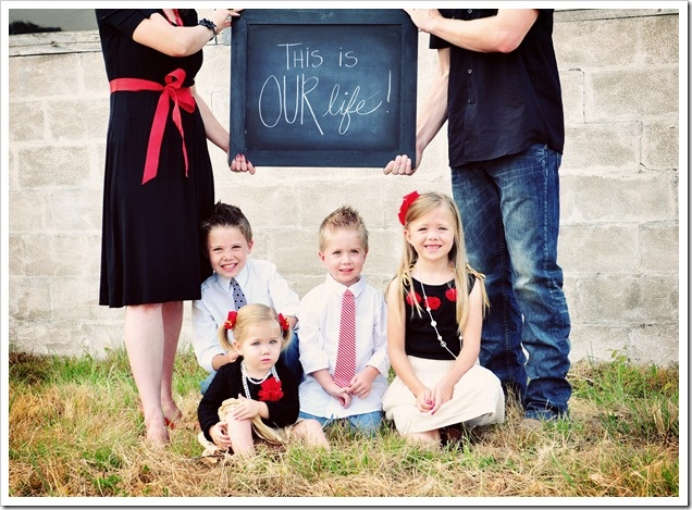 Cute for family.: Family Pictures, Pictures Ideas, Chalkboards, Families Pictures, Photo Ideas, Family Photos, Families Photo, Pics Ideas, Families Pics