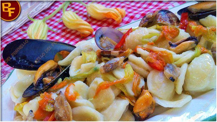 Orecchiette ai frutti di mare e fiori di zucca