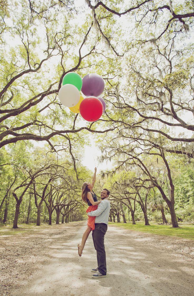engagement photos- balloons and Wormsloe Plantation, Savannah, GA
