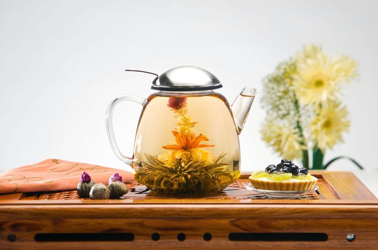 Scented #Tea (Flowering tea or blooming tea or #花茶) is generally served in containers made of glass, or other transparent material, so that the flowering effect can be seen. The bundles can usually be reused two or three times without the tea becoming bitter.